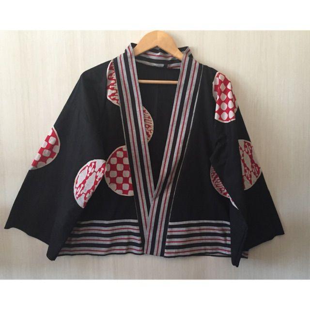 Saya menjual Kimono batik Mix tenun lurik seharga Rp135.000. Dapatkan produk ini hanya di Shopee! https://shopee.co.id/imanggoethnic/697793006 #ShopeeID