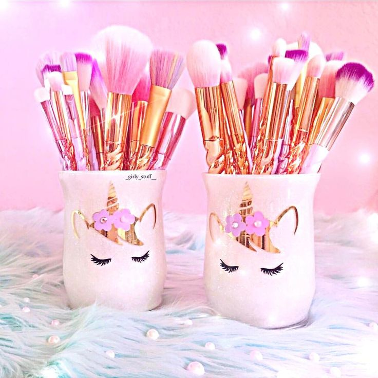 "501 Likes, 7 Comments - ᵁᴺᴵᶜᴼᴿᴺˢ & ᴹᴱᴿᴹᴬᴵᴰˢ (@dulce.beauty) on Instagram: ""These holders from @glitter.madness and my brushes  thank you @_girly_stuff__ for a amazing…"""