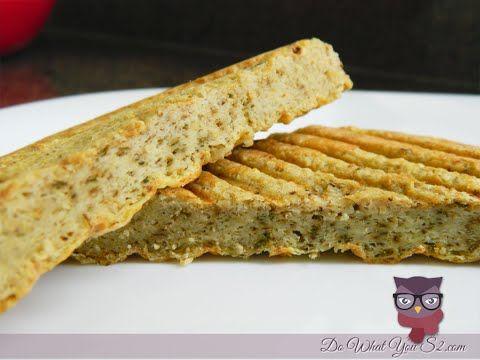 Esta receita é muito fácil e prática, este pão fica pronto em apenas 5 minutos e é perfeito para comer no café da manhã, pois é muito nutritivo!! Para mais i...