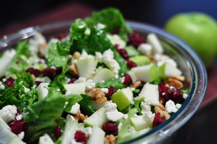 Salad with granny-smith apples, cranberries, gorgonzola cheese and ...