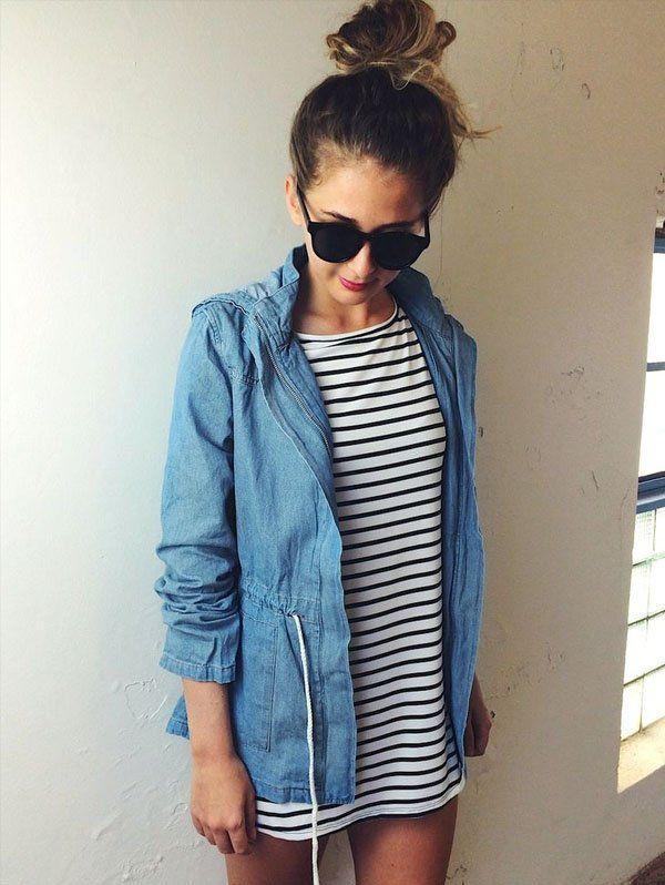 look-vestido-listrado-e-parka-jeans