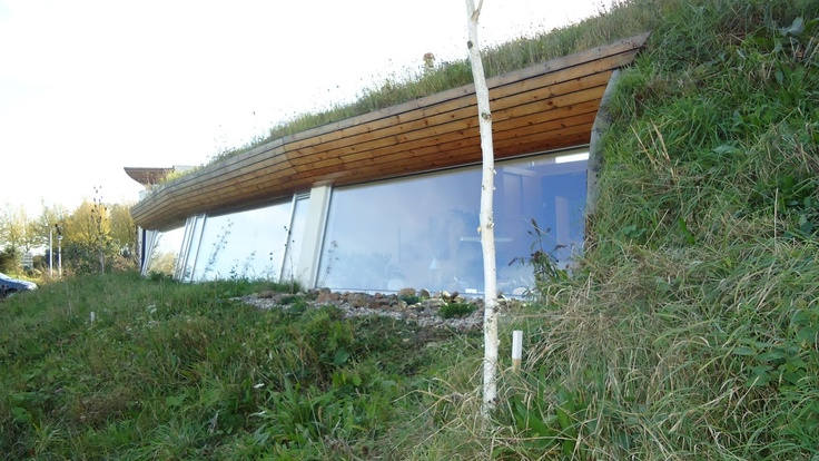 Underground house in the co quartier lanxmeer in for Malator underground eco house