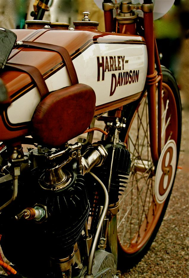 Harley D. old style