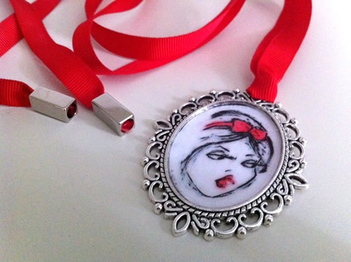 #comesposareunprincipe #biancaneve #amuleto #collana #glamour