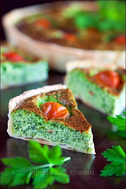 Тарт.Легкий летний пирог с начинкой из брынзы и зелени. фото