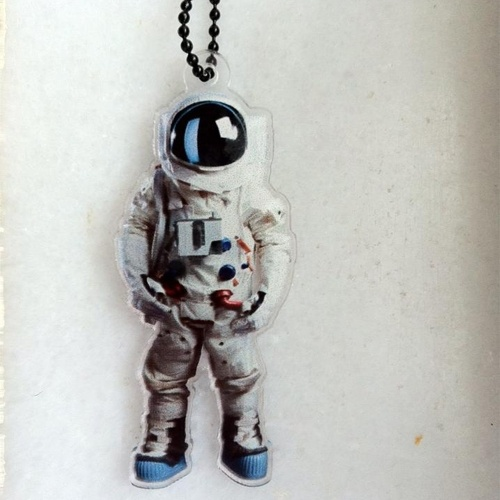 """Nothing beats an astronaut. Ever.    Inspired from the new AXE APOLLO ad campaign storymood created the """"nothing beats an astronaut"""" pendant .    This story was created for Unilever Hellas as a gift for all their guests at their (invitation only) event in Hilton Galaxy bar. check out the ad on utube :https://www.youtube.com/watch?feature=player_embedded=PjzGaSQX0iU    AXE Apollo is giving one person from greece a chance to go to space. Yes, real space! Leave a man. Come back a hero."""