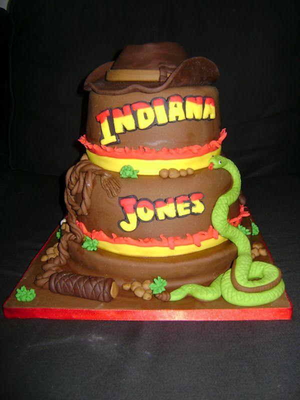 indianjones birthday party invitations%0A Cake    Isso   INDIANA JONES  Bolo  mini cupcakes e pirulitos