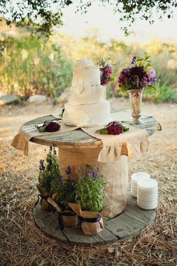 I would have this outside of my airstream. Rustic Table for Farm Wedding Cake. I would add a tablecloth under the burlap maybe!                                                                                                                                                     More
