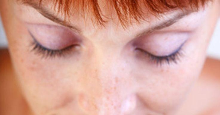 Como misturar tintas da Koleston. Koleston é uma tinta para colorir cabelos feita para ser aplicada em casa, sendo fabricada pela Wella. Diferente de outros kits para colorir o cabelo, a Koleston permite diferentes níveis da mudança de cores, dependendo do efeito desejado. A Koleston é usada junto com outro produto chamado Wolloxon, um creme oxidante que permite três diferentes ...