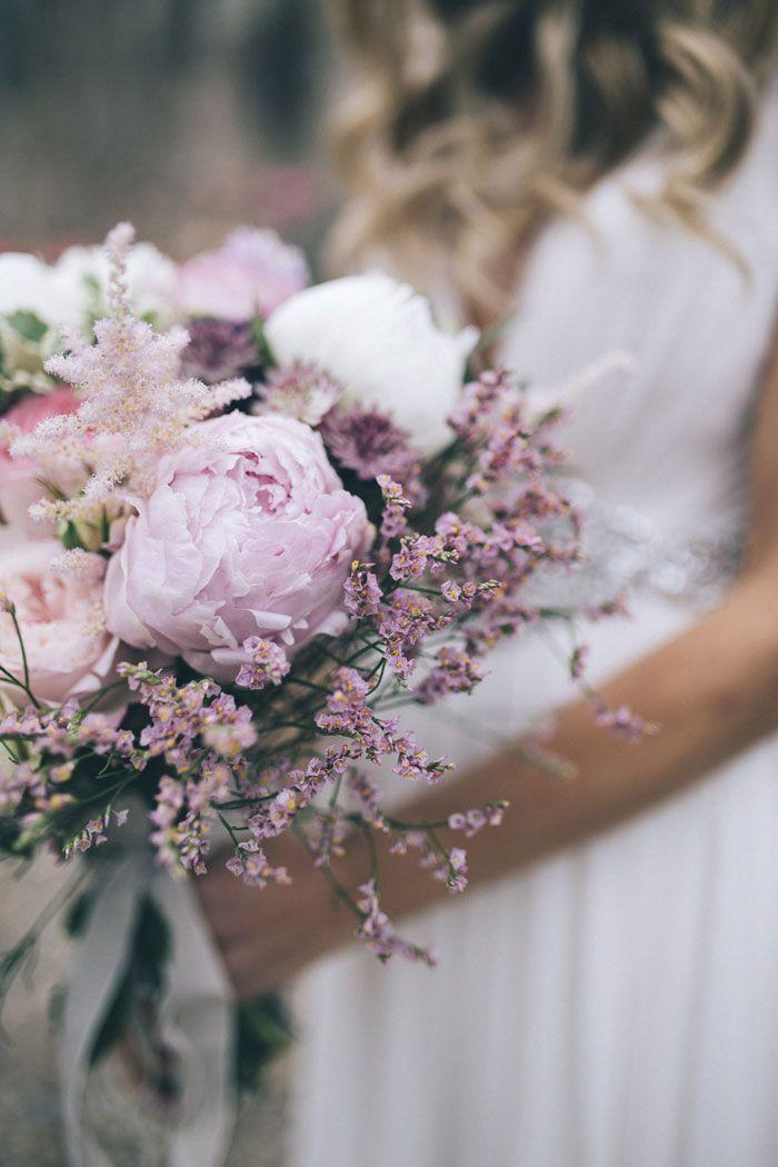 Flower Design: La Rosa Canina - Allison and Davide's Wedding in Florence by SposiamoVi (Wedding Planner) + Stefano Santucci Studio (Photography) - via Grey likes weddings