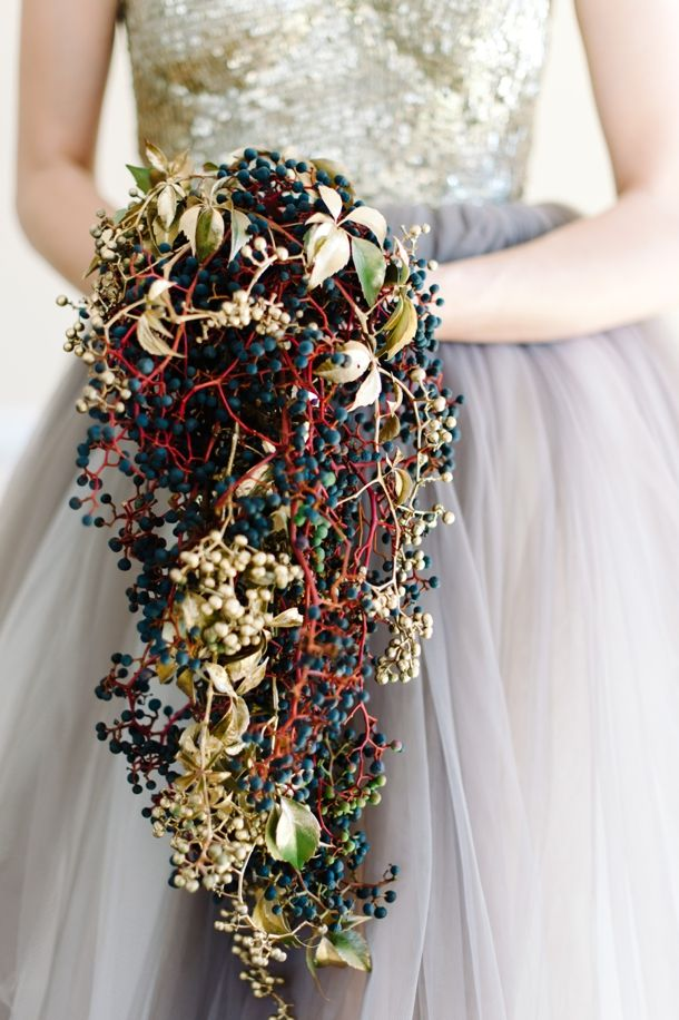 How to rock the gold accents: painted gold berries // Nutcracker Ballet Styled Shoot by Debbie Lourens & Green Goddess flower studio | SouthBound Bride