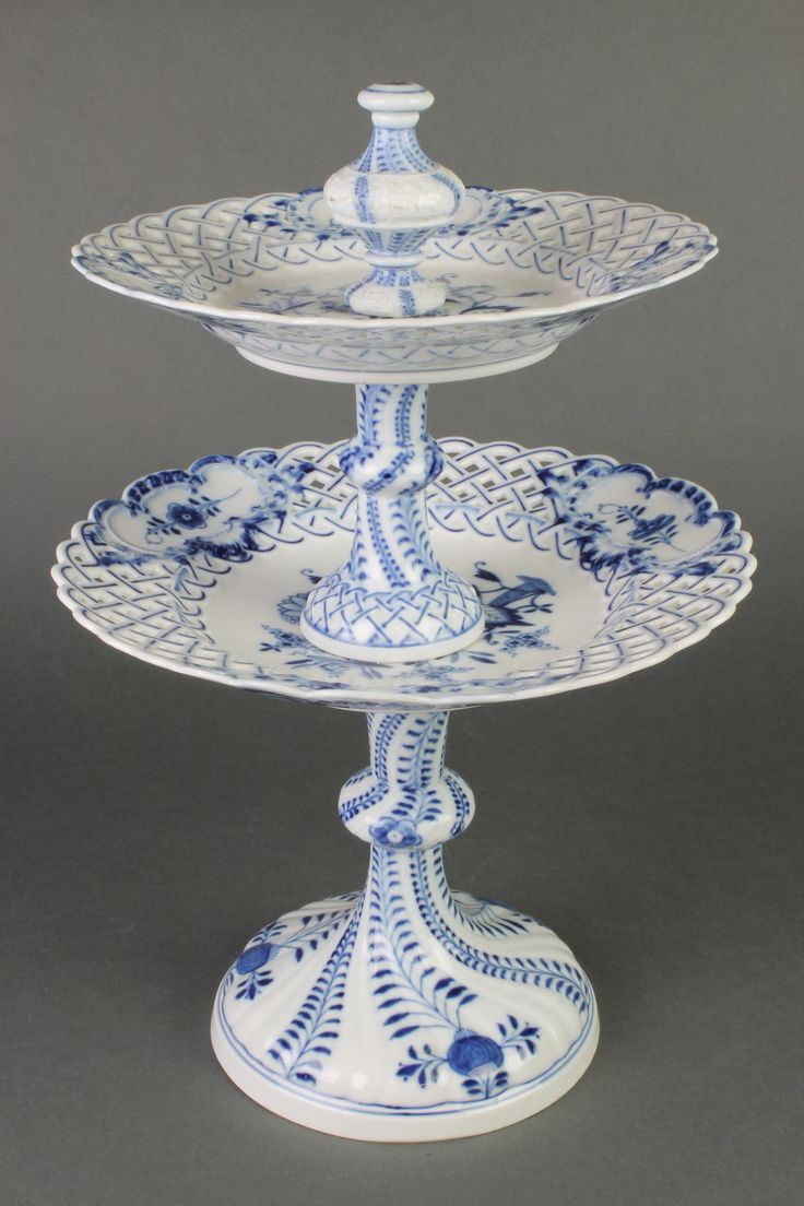 Lot 140, A Meissen Onion pattern 2 section cake stand with pierced decoration, est £50-80