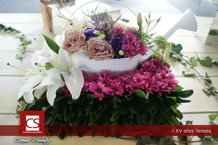 Diseño floral, centro de mesa shabby chic. XV Tamara.