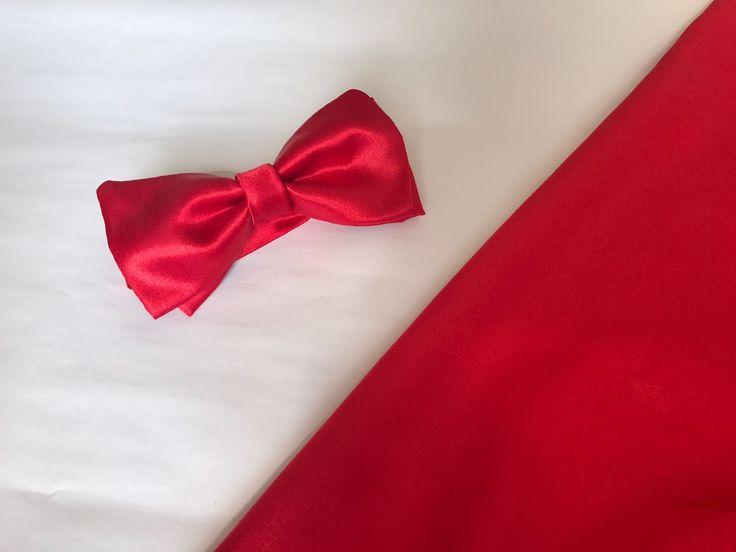 Pajarita roja en tela satinada, perfecta para tus eventos de noche, No olvides visitar la página de fB: Teokentli