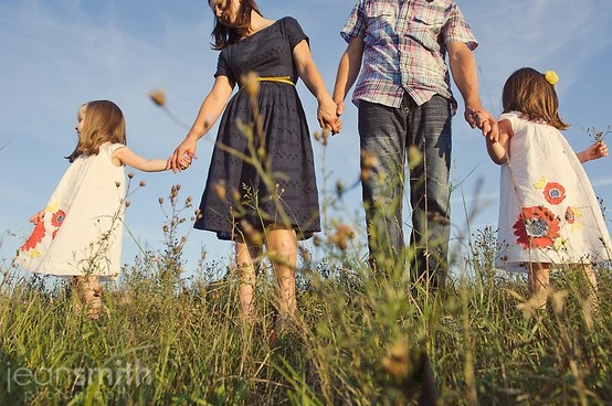 Nice POV!: Family Pictures, Families Pictures Outfit, Families Outfit, Outfit Ideas, Families Poses, Family Picture Outfits, Families Photos, Families Pics, Families Portraits