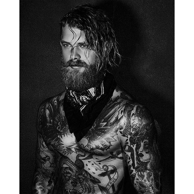 http://www.welovebeauties.com/tattoo-men/