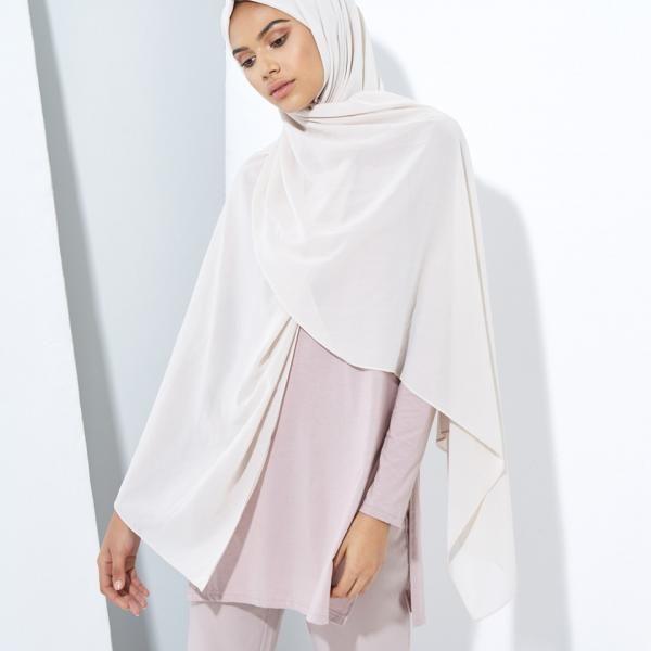 Inayah, islamique Vêtements & Mode, abayas, jilbabs, Hijabs, Jalabiyas & Hijab Pins