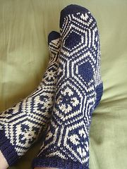 Ravelry: Kikko Hanabishi Socks (Archived) pattern by Izumi Ouchi