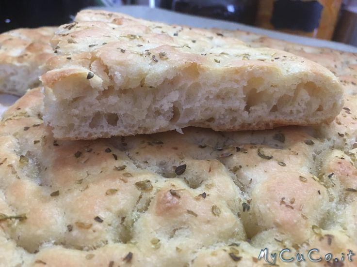 Focaccia veloce con manitoba fatta con i-Companion Moulinex - http://www.mycuco.it/cuisine-companion-moulinex/ricette/focaccia-veloce-con-manitoba-fatta-con-i-companion-moulinex/?utm_source=PN&utm_medium=Pinterest&utm_campaign=SNAP%2Bfrom%2BMy+CuCo