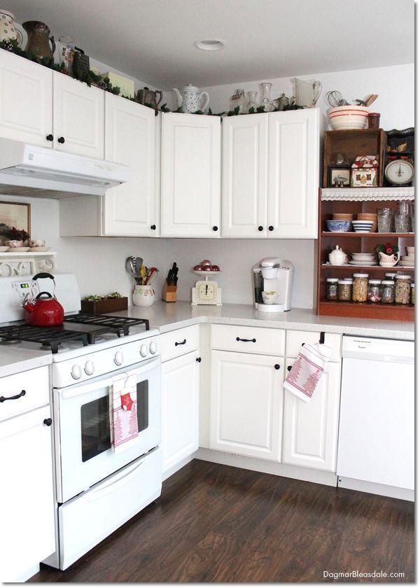 Blue Cottage Christmas Home Tour: Our Kitchen, Dagmar's Home, http://DagmarBleasdale.com, #Christmas #cottage #farmhouse #hometour #home #decor #kitchen