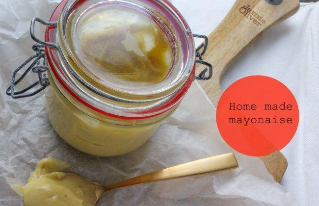 Zelfgemaakt het lekkerst: mayonaise. Een how-to met leuke variatietips. www.vertruffelijk.nl