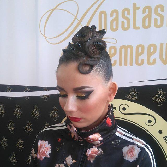Кто делает крутые  прически, тот я :) Иванова Марина в #studioanastasiaeremeeva #hairstylemarin_ka #спартак2016 #ballroomhair #dancesport #ballroomhairstyle.  Макияж #studioanastasiaeremeeva