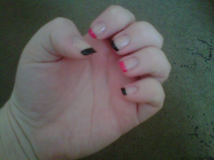 black and pink tips