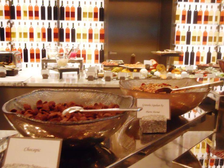 Brunch buffet set up buffet set up for brunch at la for Restaurant la cuisine royal monceau