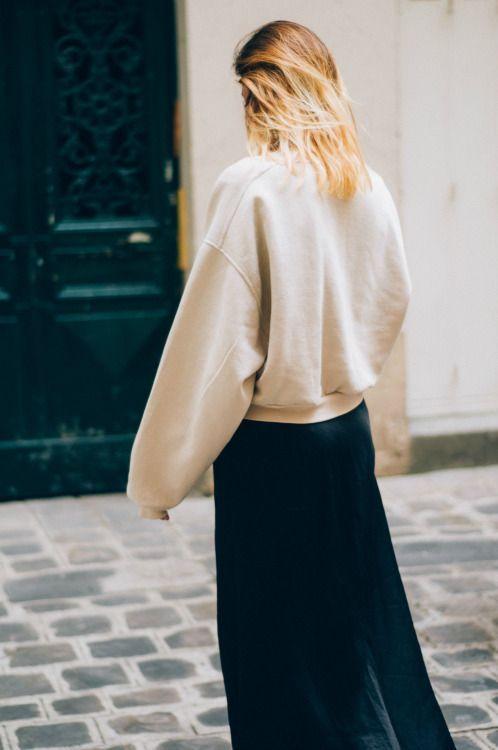 Девочка в юбке показывает пизду фото 725-237