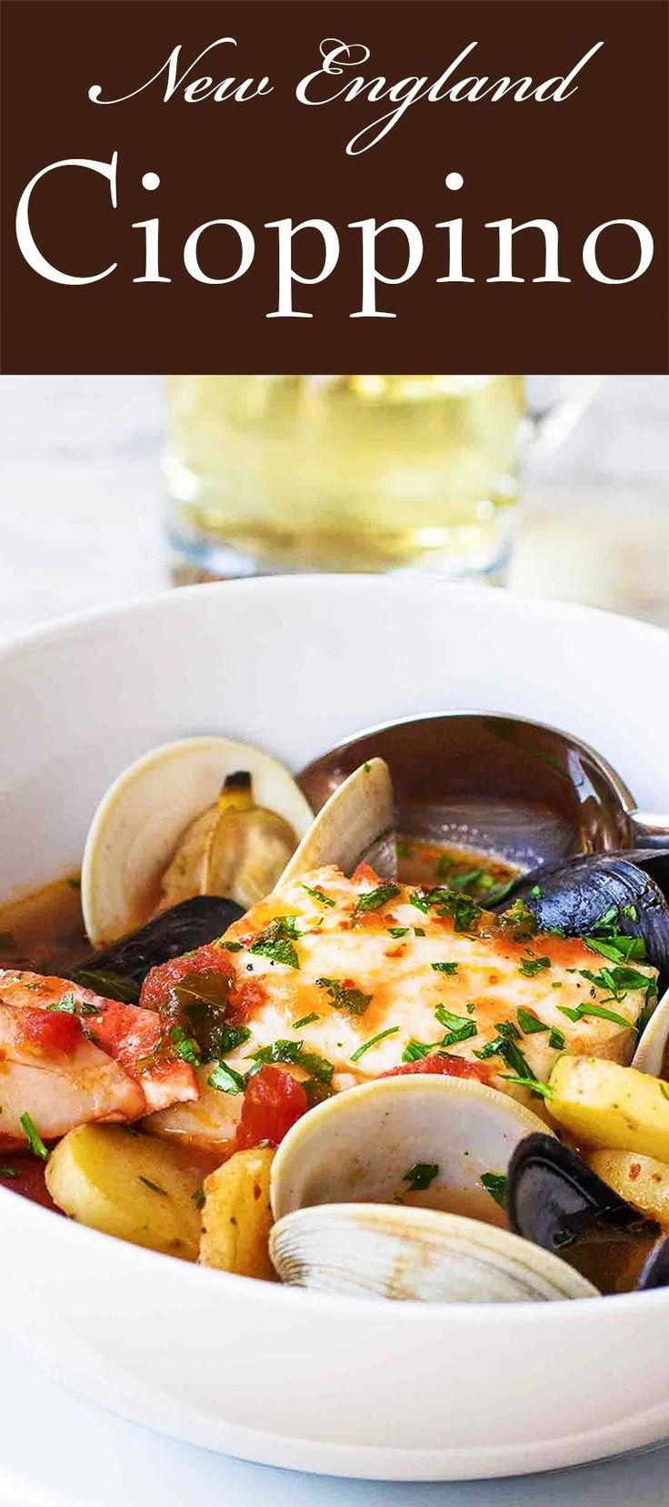 New England Cioppino seafood stew with haddock, lobster, clams, and mussels. Perfect for a casual dinner party! #seafoodrecipes