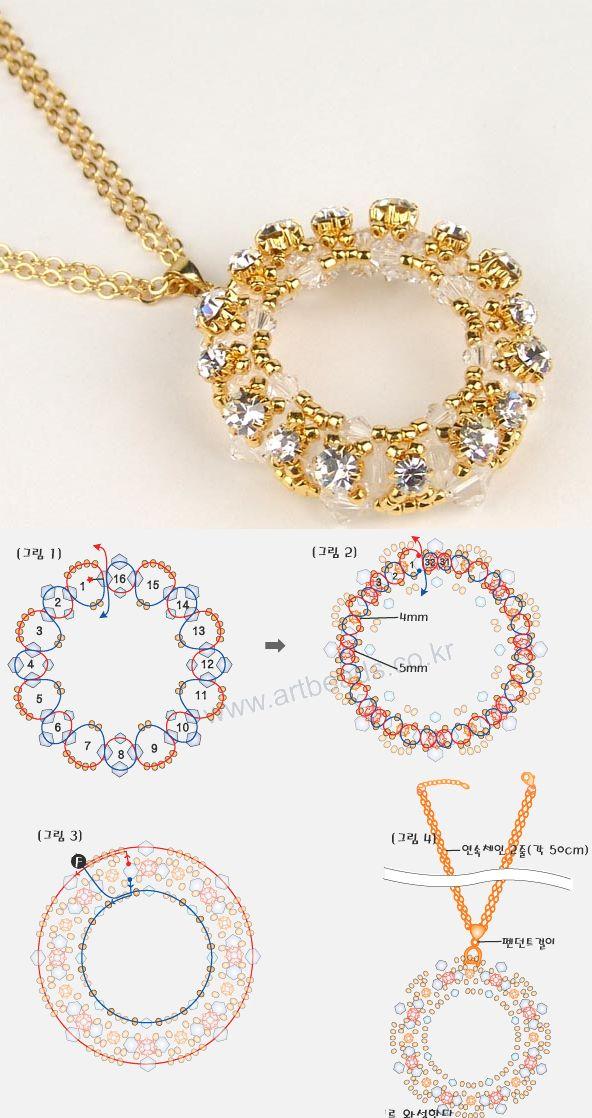 wreath circle necklace