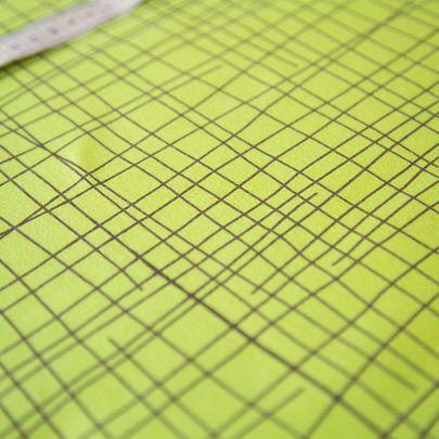 Risuaita-luomujersey, keväänvihreä / Criss cross organic single jersey in spring green / Käpynen