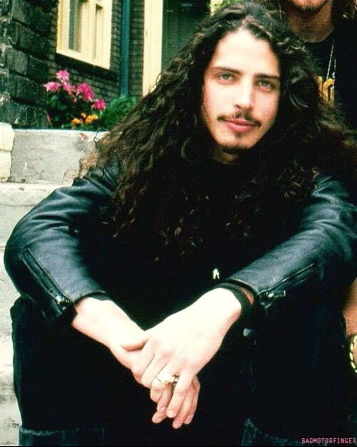 Chris Cornell.omg such Chris.very pretty. Most love this photo. wow