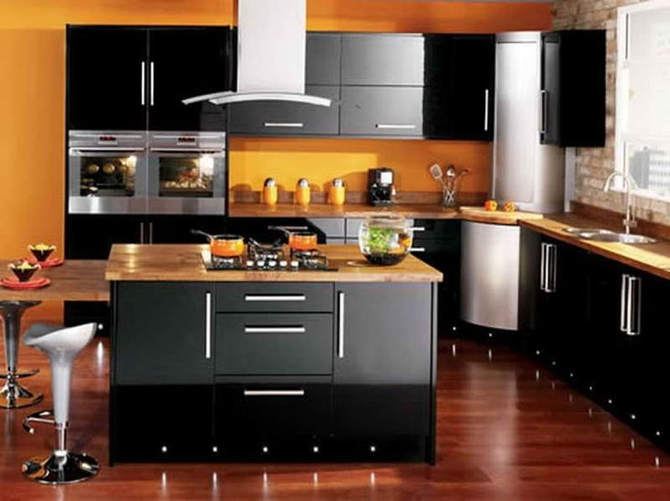 mobili scuri in cucina