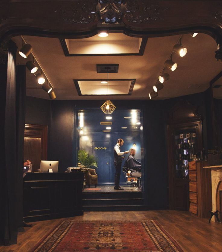 Businesses in every industry are giving classics a modern twist to the elation of consumers, and Montreal's Maison Cloakroom is no exception. Owner JP Haddad had the brilliant idea of a classic, hidden, speakeasy right in the centre of Montreal…a concept that has obviously found it's audience.
