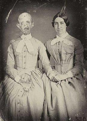 Si empezamos a mirar fotos antiguas, seguramente encontraremos muchas cosas extrañas y terroríficas detrás de las imágenes.