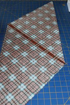 Great tutorial on making bias tape from a fat quarter.