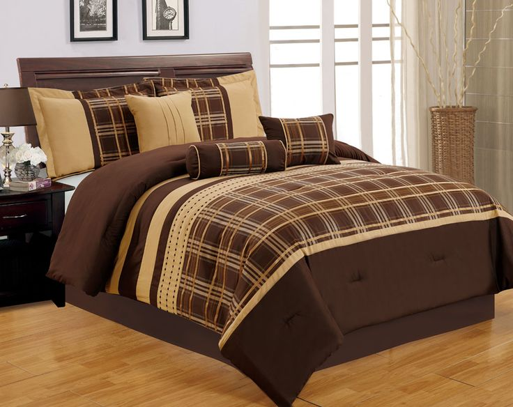 california king bed sheets with a combination of chocolate and gold makes it look luxurious