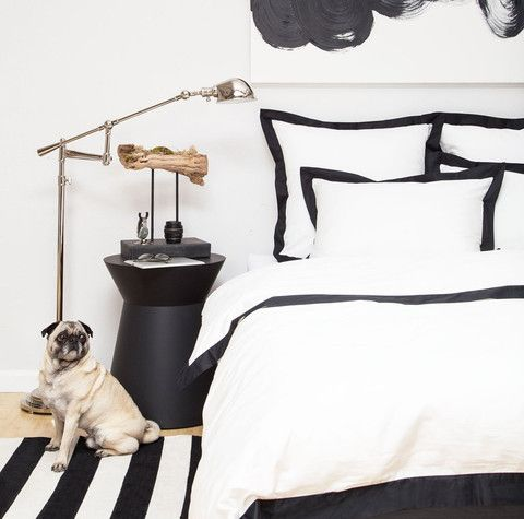 Inspired by the classic bedding found in the finest luxury hotels and woven from luxurious 400-thread count, single ply, 100% cotton, this irresistibly soft and beautiful black and white duvet cover lends elegance to any bedroom!