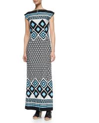 I like the variation in pattern size in this dress.
