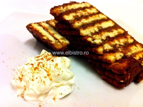 Tort de ciocolata cu biscuiti - El Bistro homemade.