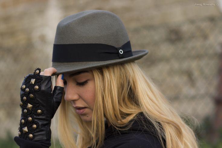 Dexterino Hat with our friend @Martina Pinto - Cappello Dexterino con la nostra amica @Martina Pinto   @DEXTER Milano