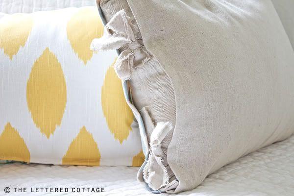 DIY- Easiest Way To Make PillowsDiy Ideas, Pillows Ties, Bedrooms Redo, Decor Ideas, Sewing Crafts, Master Bedrooms, Master Bath, Bedrooms Ideas, Patchwork Pillows