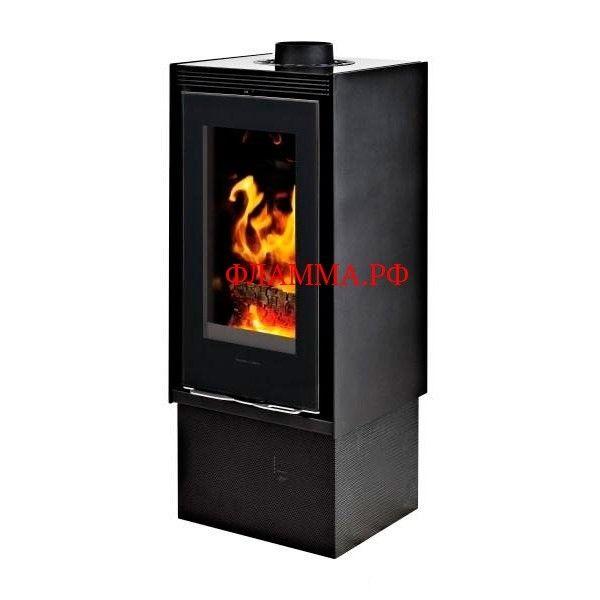 Печь Yxos mr (Supra) на печном складе ФЛАММА    ПЕЧЬ YXOS MR (SUPRA)   Цвет черный. Облицовка сталь/керамическое черное стекло. Технология FSU2.    Вертикальная камера горения.  Боковое закрывание дверцы в 2 точках.  Теплопроводные трубы расположены сзади камеры горения.  Полный контроль горения за счет герметичности отопительного прибора.  Подключение воздуха с улицы.  Горение регулируется даже при нехватке тяги.       Технология FSU - результат последних инноваций в области…