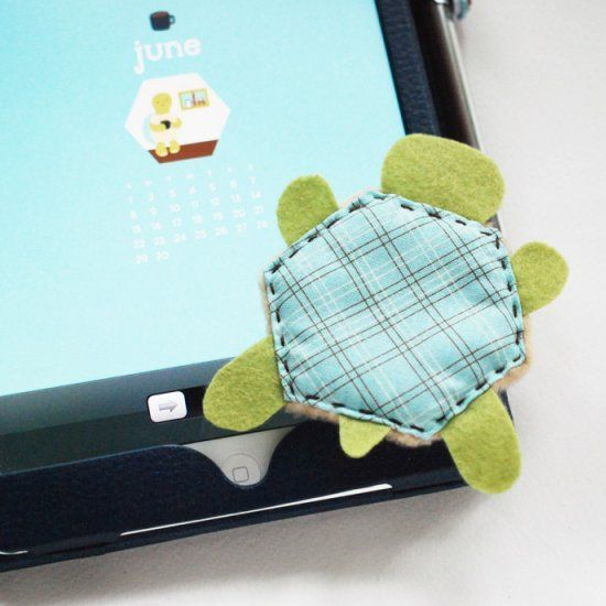 Keep your screen free of smudges and dust with this sweet little turtle!