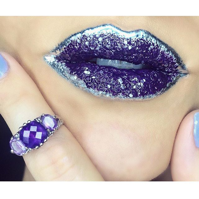 Today in weird makeup trends we wish we were skilled enough to master: crystal lips.  Super talented makeup artists are filling up Instagram with the beauty of crystal lips. The trend is complex and glorious, involving transforming your lips into glittering crystals and geodes.