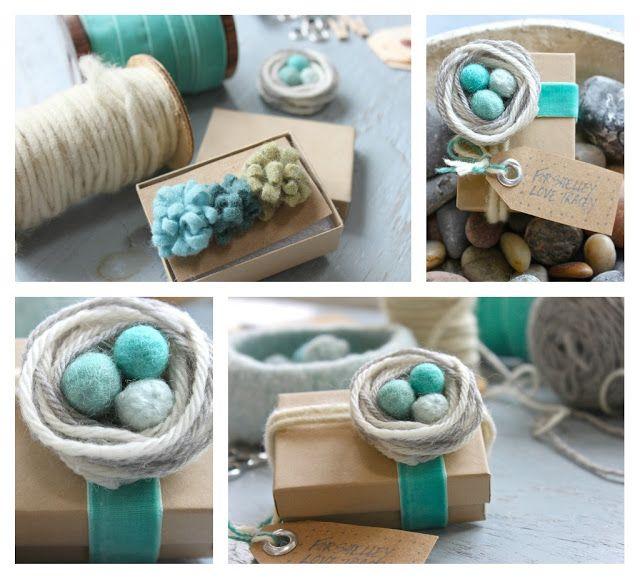 Decorar paquetes de regalo con flores y huevos de fieltro