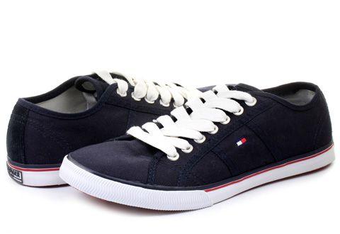 Pohodlná mestská vychádzková obuv značky #TommyHilfiger je pohodlná na celodenné nosenie!