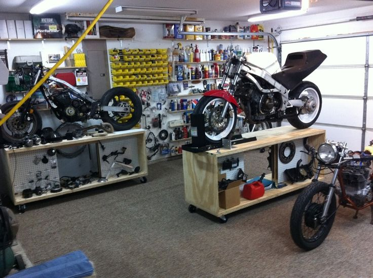 rolling motorcycle work bench could be made to roll under workbench on the wall for storage and out of the way when not in use - Rolling Workbench
