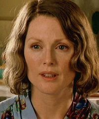 Julianne Moore as young Laura
